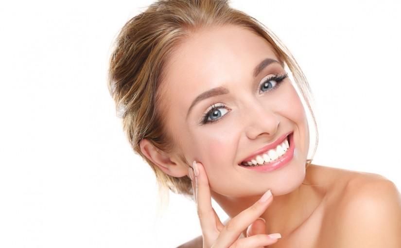Ringiovanimento viso Torino: quale trattamento scegliere