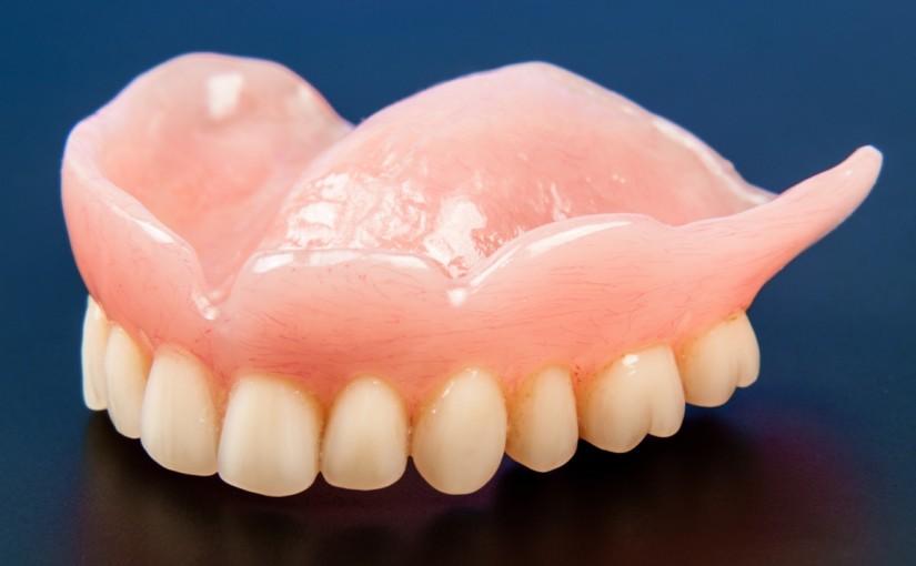 Protesi dentarie Torino: tante idee per essere belli e sani